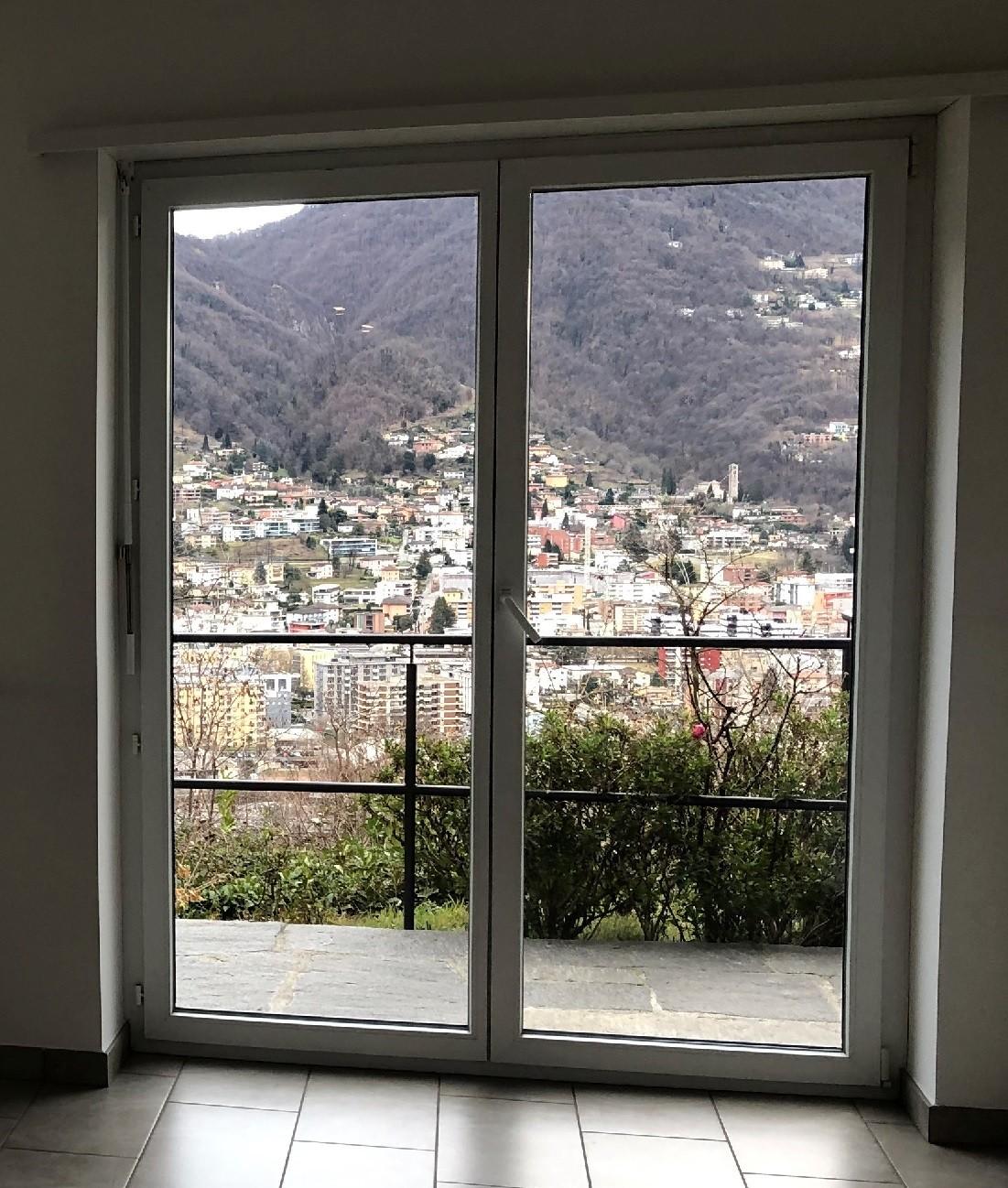 Affitto appartamento Porza - Via Belvedere - Dettaglio vista salotto