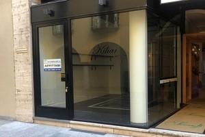 Affitto negozio Lugano Via Nassa vetrina