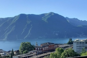 -Vendiamo appartamento Lugano - Vista